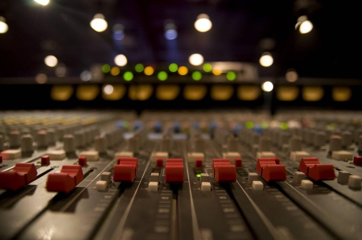 Hang- és fénytechnika bérlése