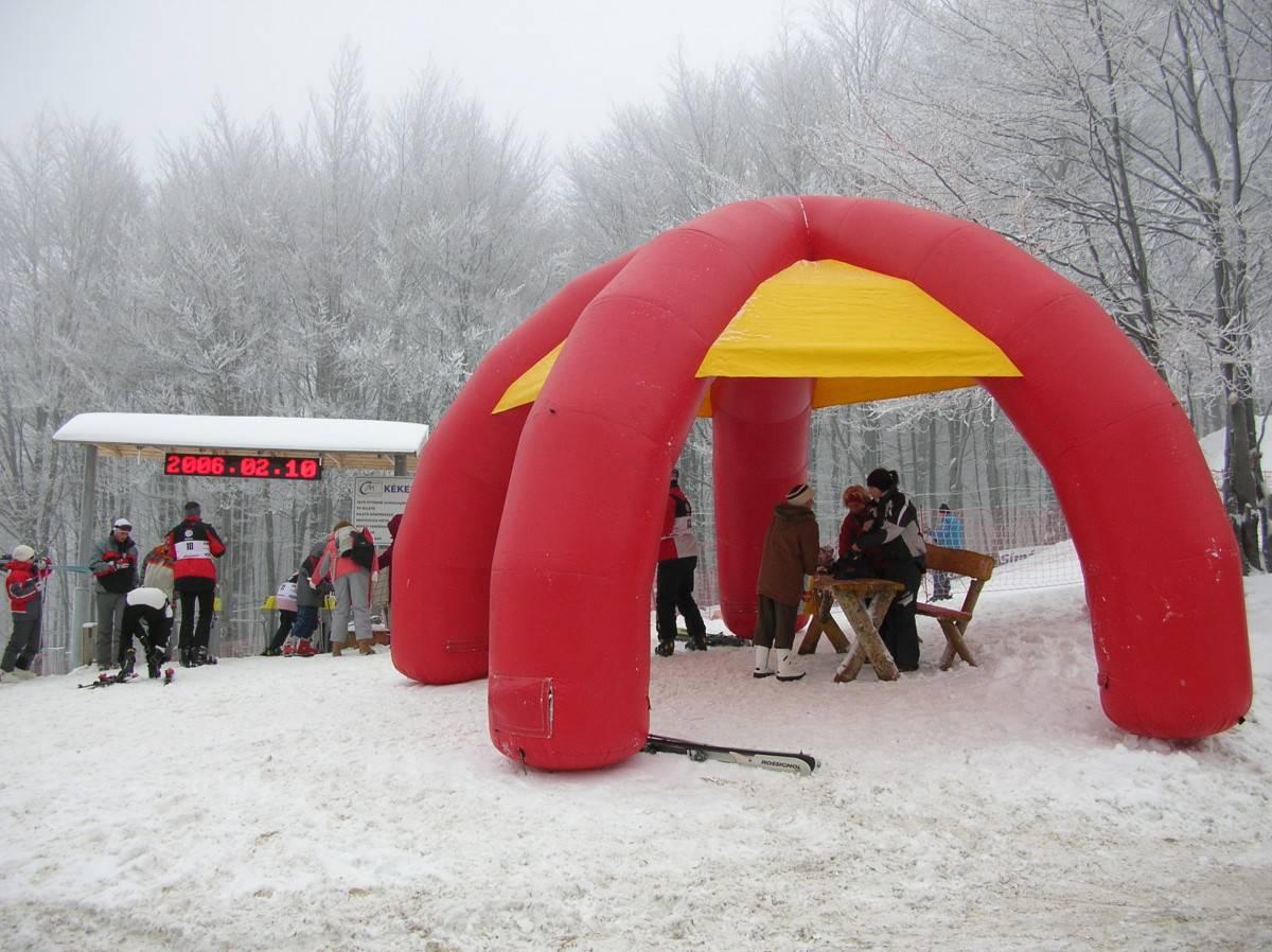Felfújható Iglu sátor